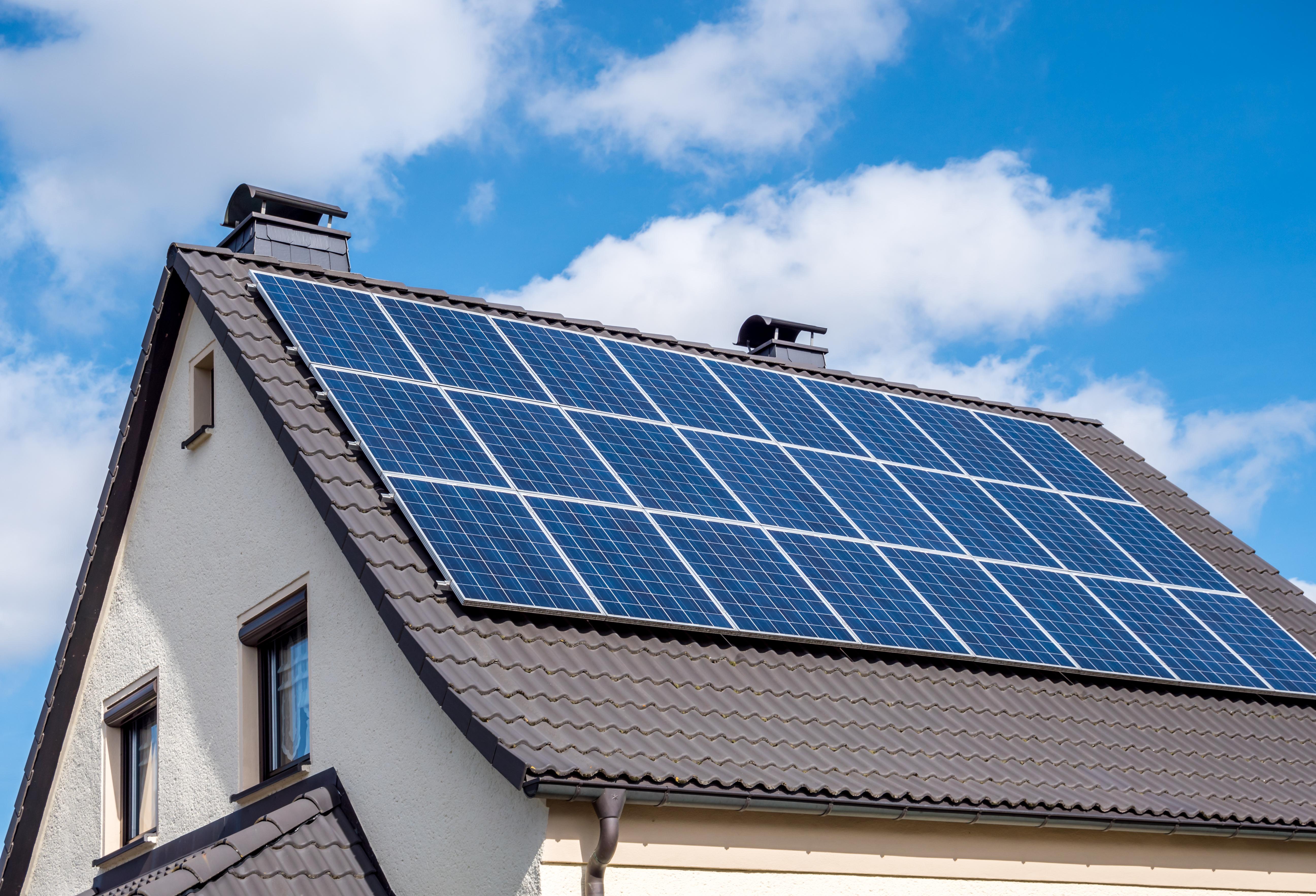 Je huis verkopen met zonnepanelen: hoe zit dat?